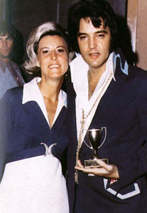 Elvis Presley - With Girl und Pokal